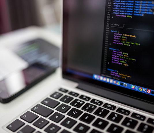 Czym są funkcje i ich deklarowanie w Pythonie?