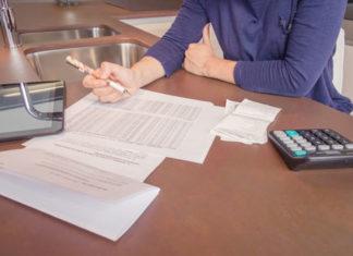 Kolejna umowa od połowy miesiąca – kiedy płacimy za poprzednią?