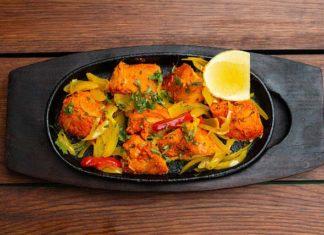 Kuchnia indyjska – czym się charakteryzuje? Przepisy